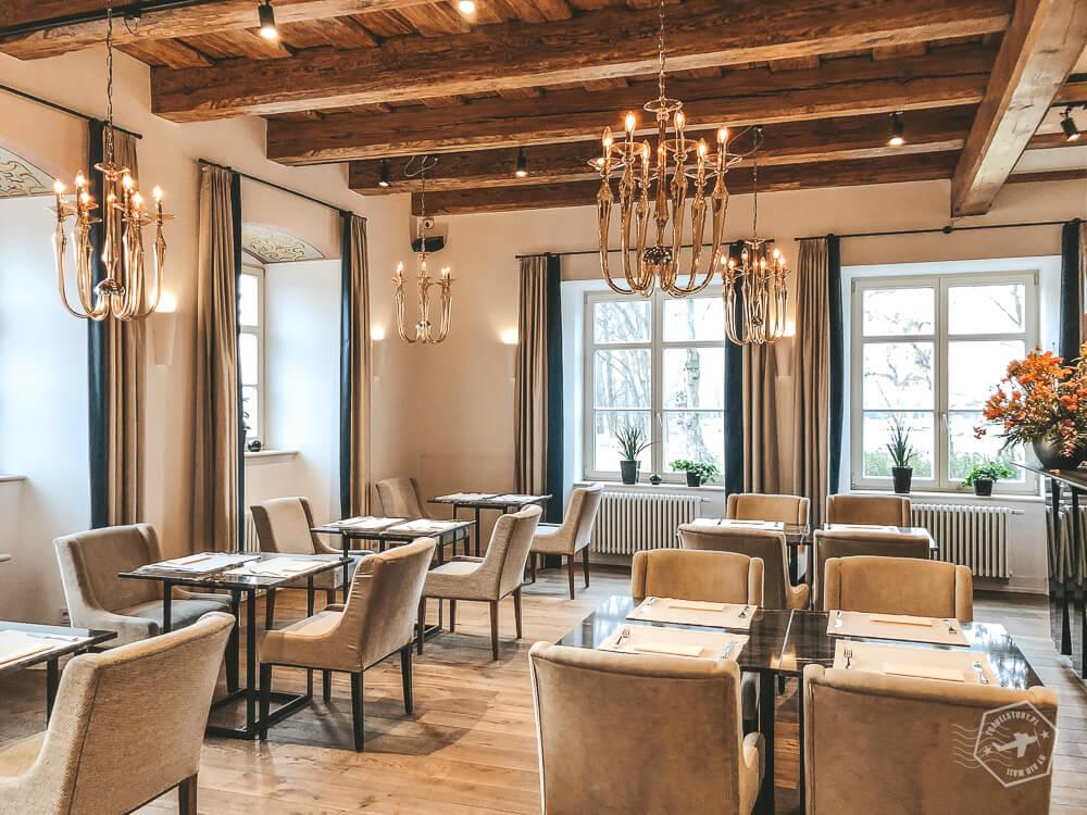 Zamek Topacz - restauracja