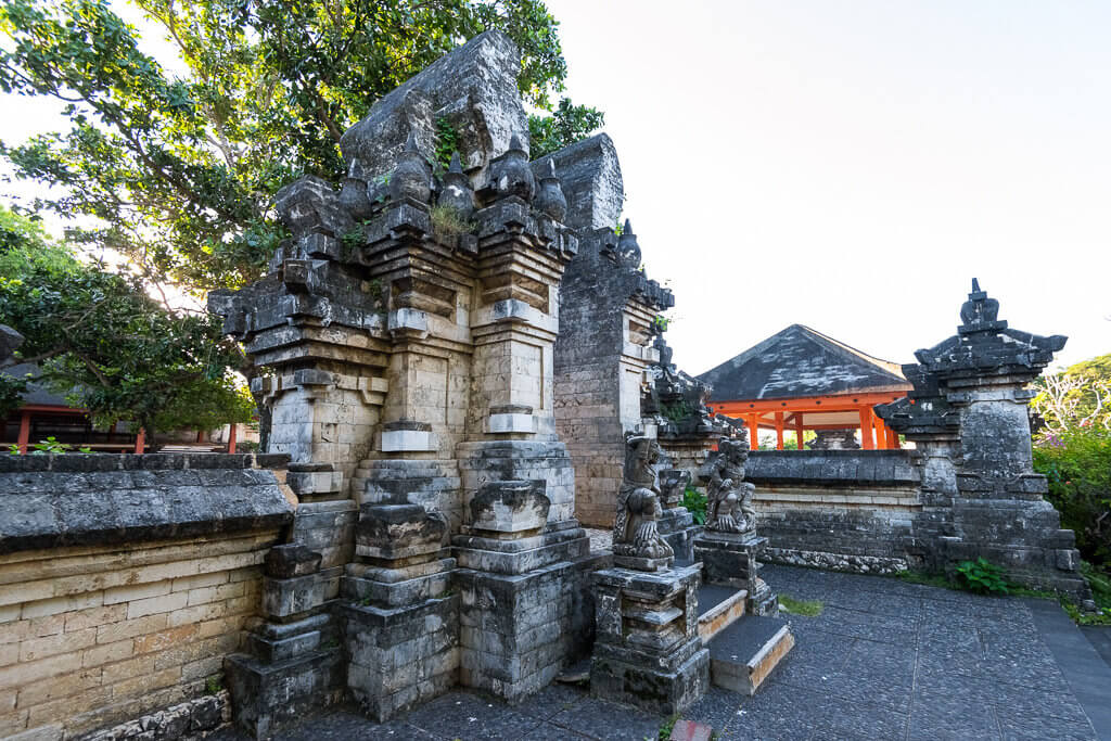 Ulwatu - Bali - travelstory.pl